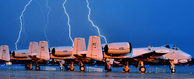 electrical-grounding-airplanes